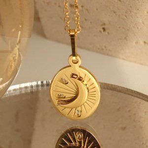 NEW 18K Gold Plated Diamond Moon Oval Necklace